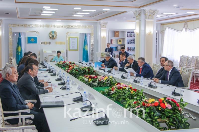 Астанада Мемлекеттік рәміздер мәселелері жөніндегі республикалық комиссияның отырысы өтті