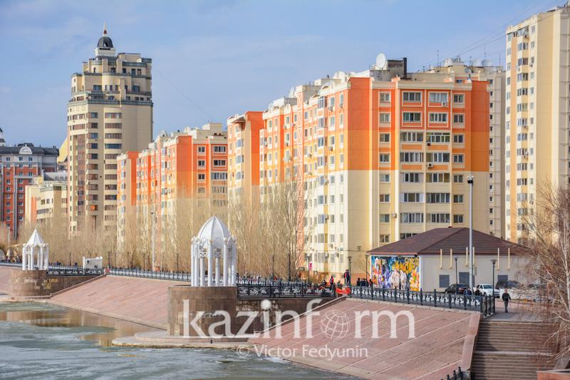 What way Astana's Samal district was constructed