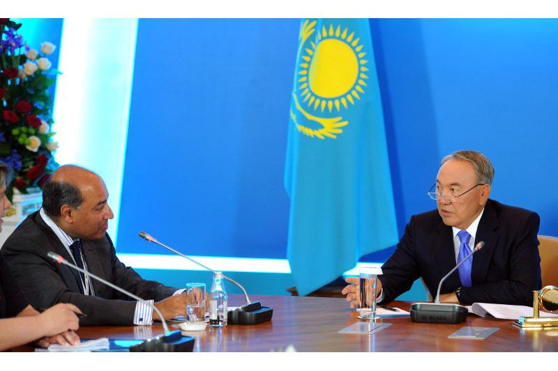 Глава государства провел встречу с президентом ЕБРР