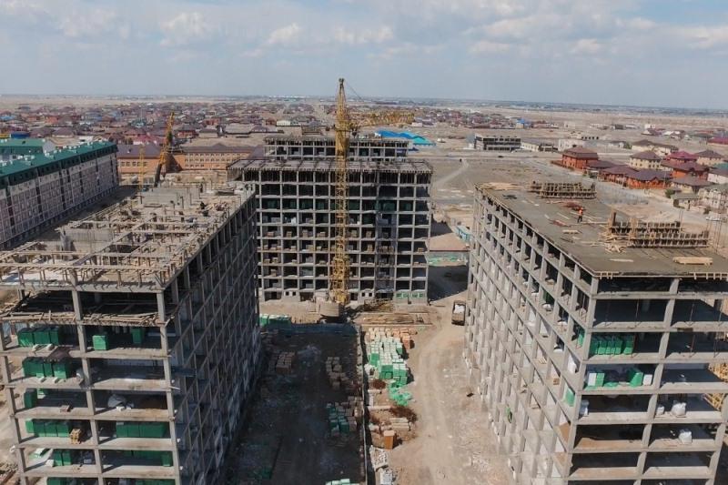 44 жилых дома строятся в Атырауской области