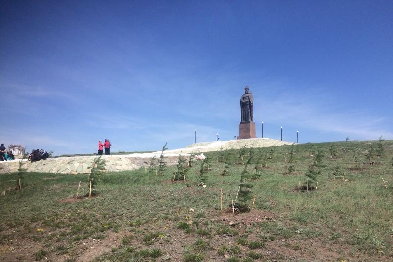 В канун 350-летия Бухар жырау карагандинские сельчане занялись озеленением