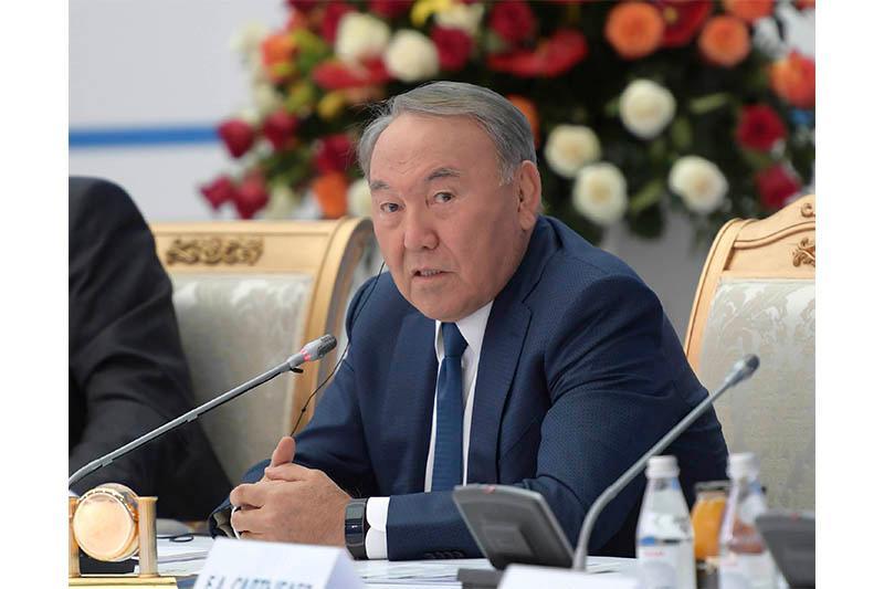 Нурсултан Назарбаев рассказал о планах выхода казахстанских компаний на биржи КНР