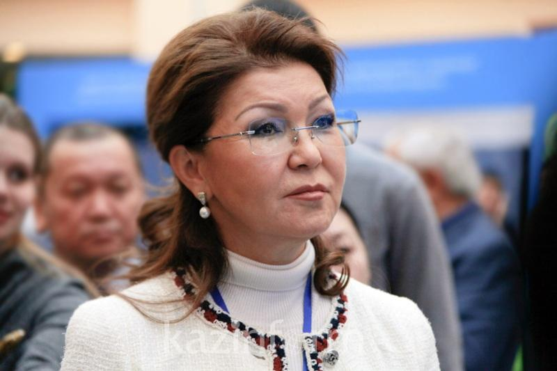 Дариға Назарбаева жол апатында қаза тапқандардың туыстарына көңіл айтты
