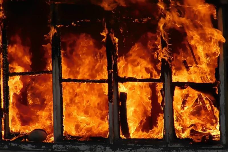 Мужчина погиб в огне в Акмолинской области