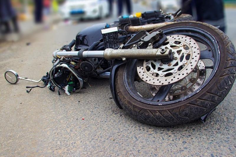 Гибель двух мотоциклистов расследуют в Атырау
