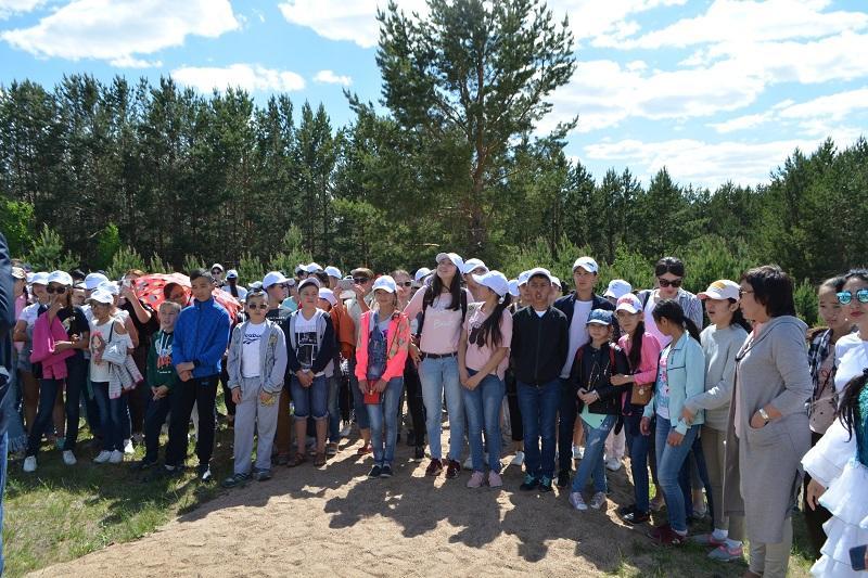 Экскурсия по сакральным местам для школьников прошла в Акмолинской области