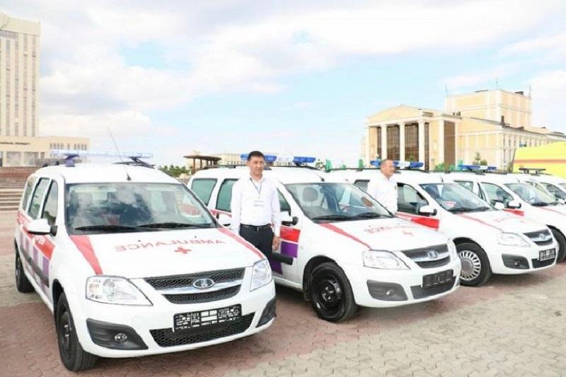 Новые спецмашины получили больницы ЮКО