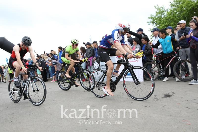Международные соревнования по триатлону проходят в Астане