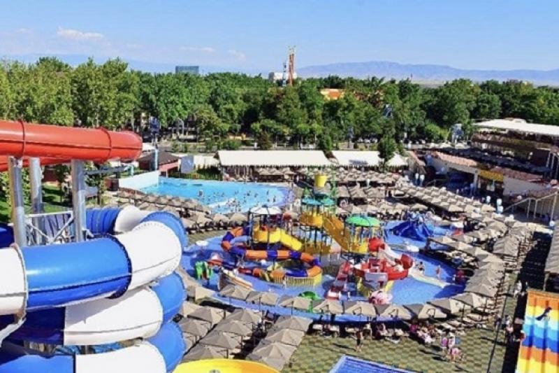 Аквапарк с самыми высокими горками в стране открыли в Шымкенте