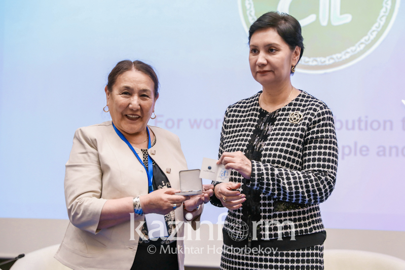 В Астане наградили известных ученых за вклад в развитие тюркологии