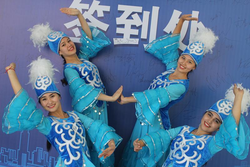 Over 300 Kazakh students gather at Kurultai in China
