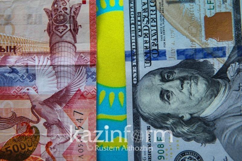 Олег Смоляков: Слухи о девальвации возникают в период отпусков