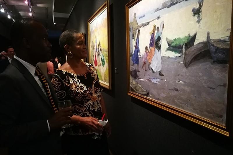 Шедевры изобразительного искусства Казахстана привезли в Нью-Йорк
