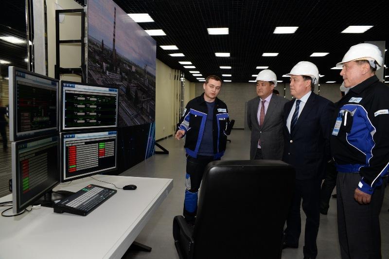 政府第一副总理对巴甫洛达尔州和东哈州进行工作视察