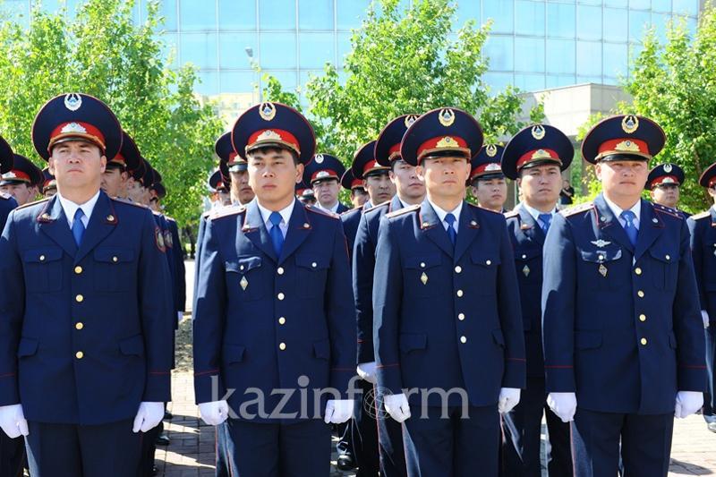 Дни полиции и госслужащего отмечают в Казахстане