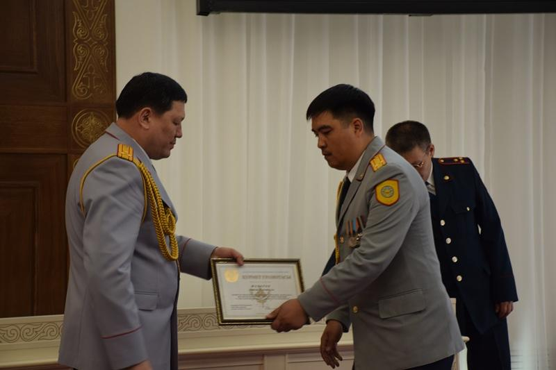 В канун праздника полицейские Акмолинской области получили награды