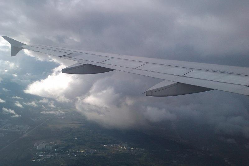 Пассажиры аварийно севшего в Атырау самолета размещены в отеле