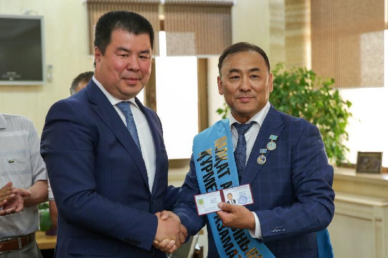 Известный меценат стал почетным гражданином Макатского района Атырауской области