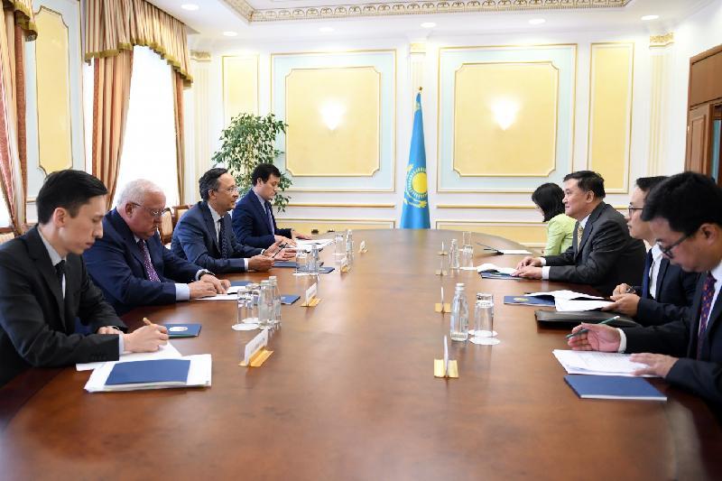 外交部长会见亚信中方主席国工作组主席顾子平