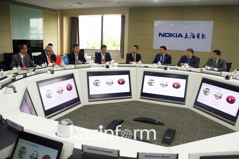 政府副总理同中上海通讯领域企业领导举行会面