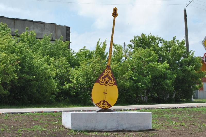 3,5-метровая домбра появилась в Акмолинской области