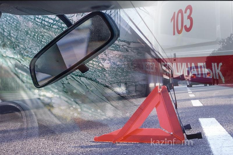 Жамбыл облысында 27 жолаушысы бар автобус аударылып қалды