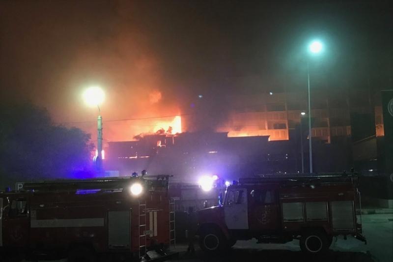 28 человек эвакуировали при пожаре в гостинице в Атырау