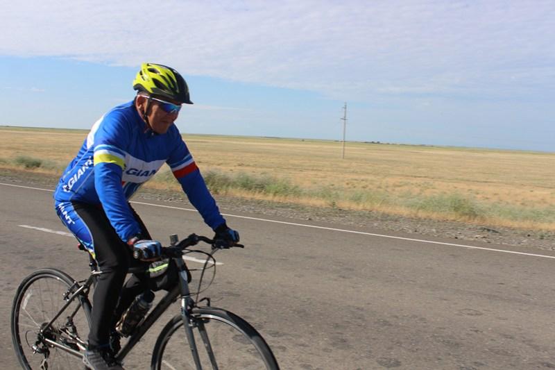 Үржарлық Астанаға велосипедпен келді