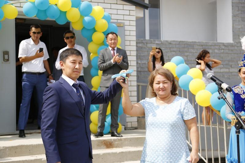 195 семей справили новоселье в Атырау