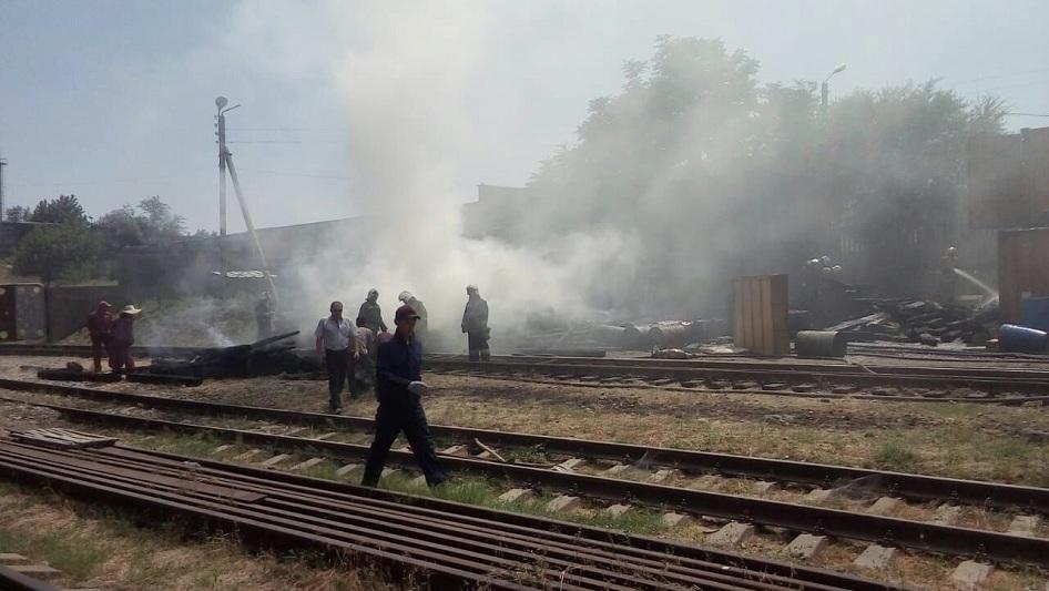 Пожар произошел на территории Шымкентского пивзавода