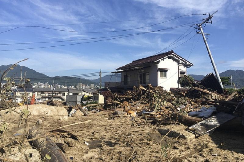 Жапонияда нөсер салдарынан құрбан болғандар саны 204 адамға жетті