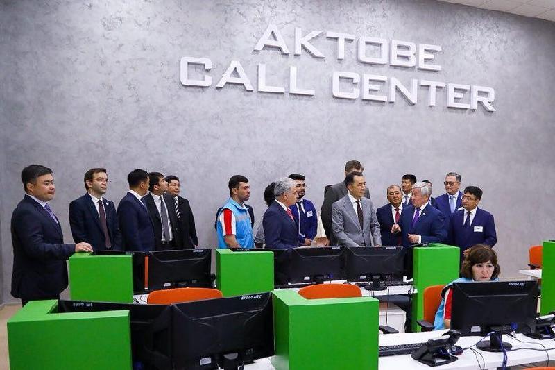 萨金塔耶夫视察阿克托别州工业及公共设施项目企业