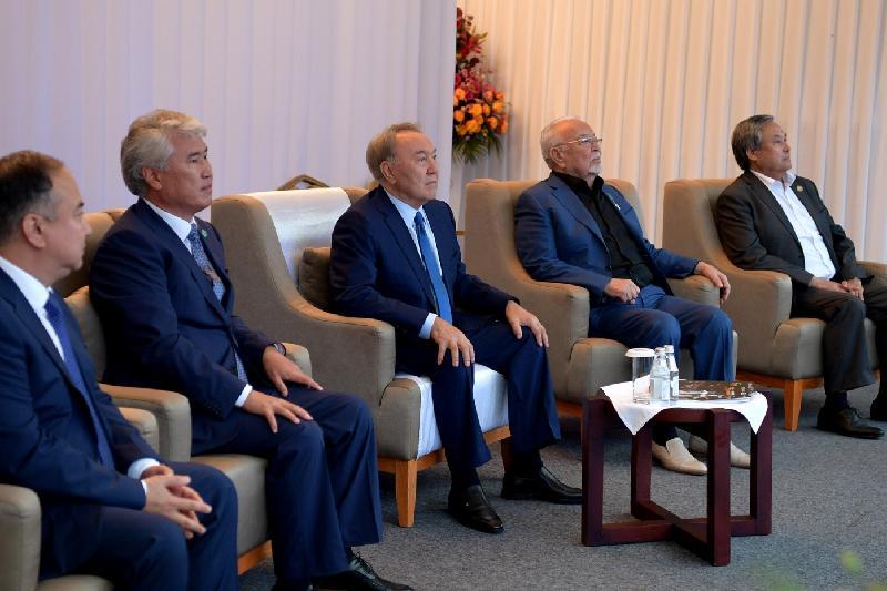 Нурсултан Назарбаев посетил постановку оперы «Биржан - Сара» в Бурабае