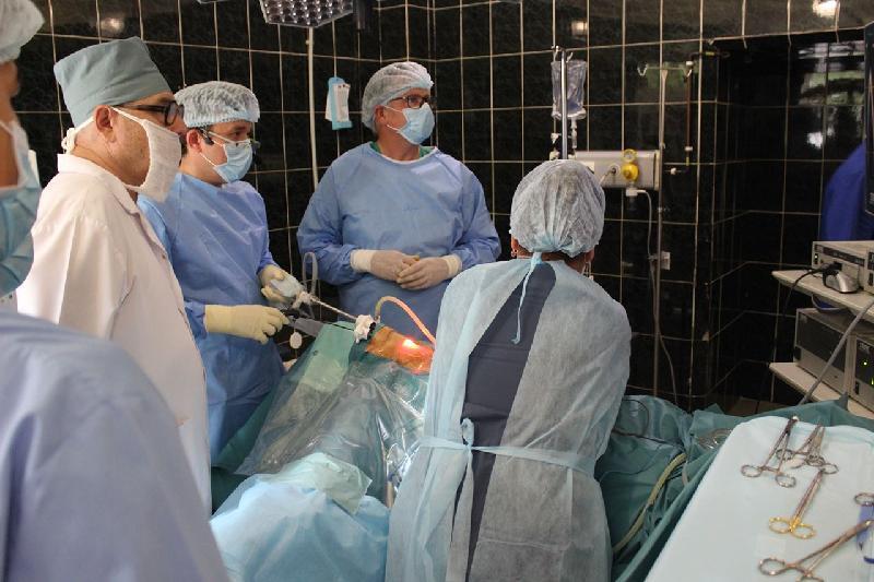 Алматы дәрігерлері тұңғыш рет қалқанша безі ісігін тіліксіз алды