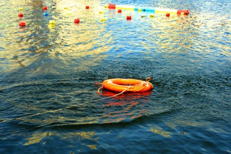 Восьмилетняя девочка утонула на глазах у родителей в Атырау