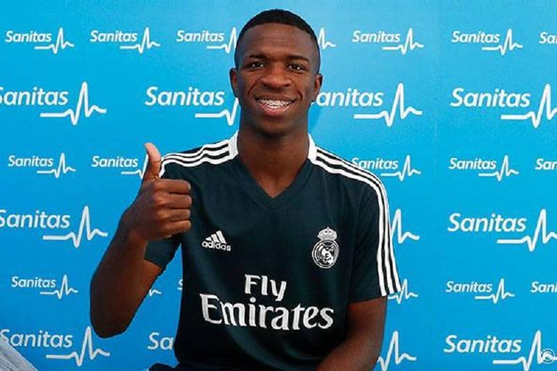«Реал Мадрид» жанкүйерлер 1 жыл күткен жаңа футболшысын таныстырды