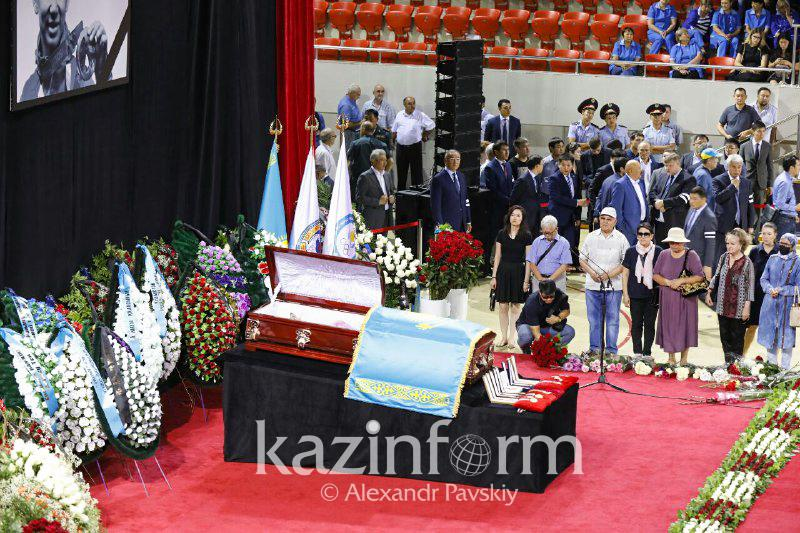 Сivil funeral for Denis Ten begins in Almaty