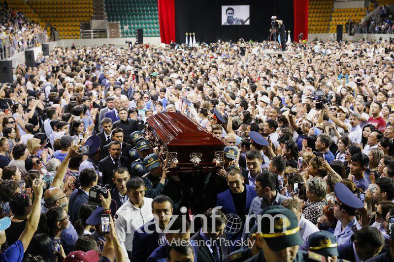 Almaty residents bid final farewell to Denis Ten