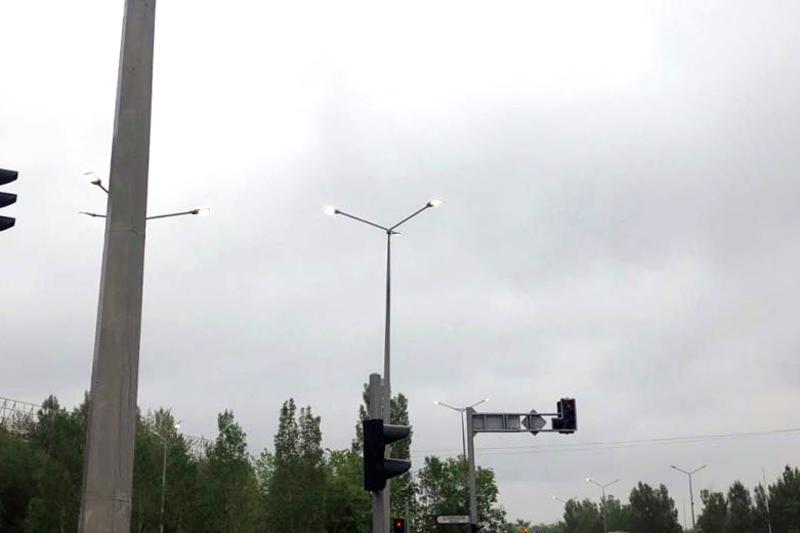 马来西亚公司向阿斯塔纳献礼安装LED路灯