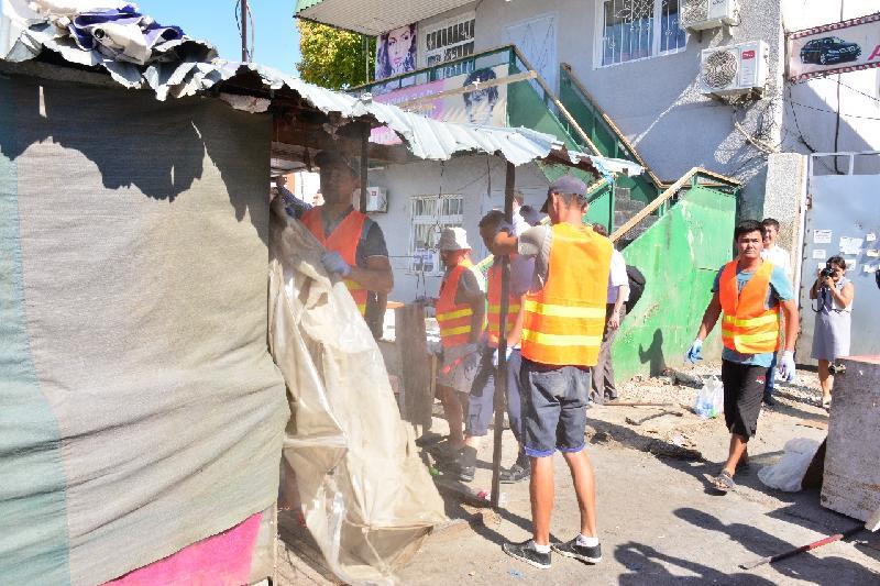 Снос стихийных торговых точек начался в Шымкенте