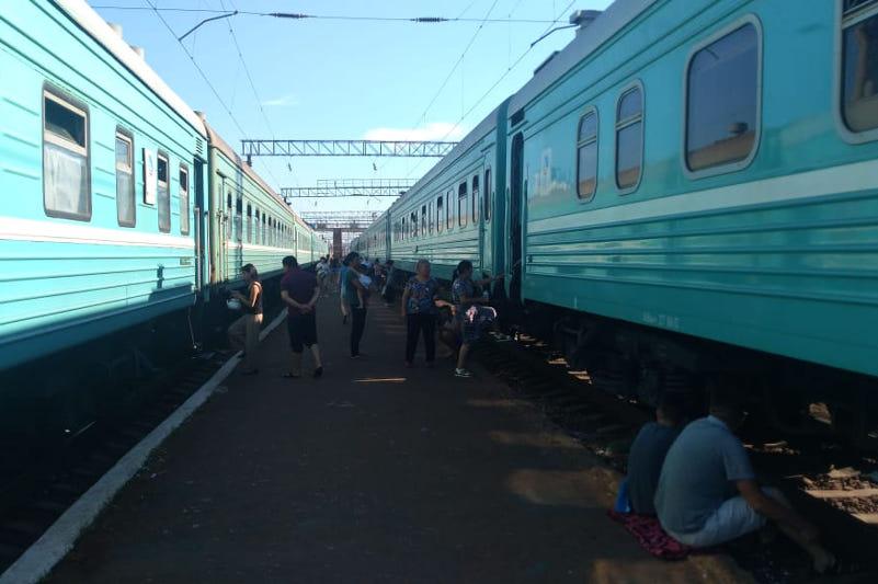 Причины схода вагонов в Жамбылской области назвали в КТЖ