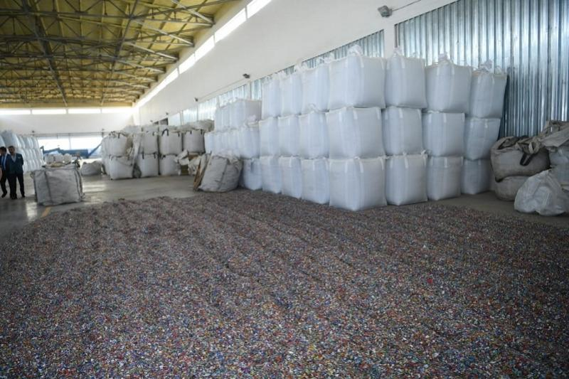Kazakhstan building synthetic fibers plant