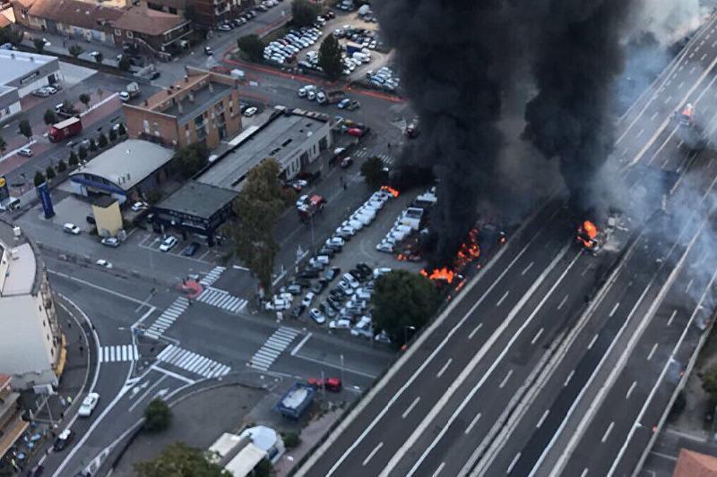 Бензин тасымалдаушы көлік жарылысы: 2 адам қаза тауып, 70-і жараланды