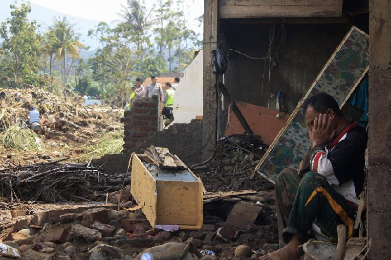 Более 20 тысяч человек эвакуированы из-за землетрясения в Индонезии
