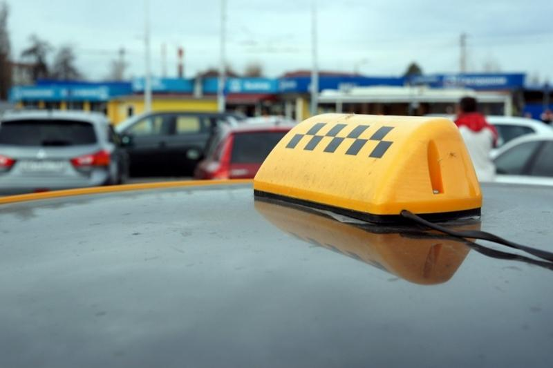 Зейнеткер таксиде жоғалтқан 6 млн теңгесін тауып алды
