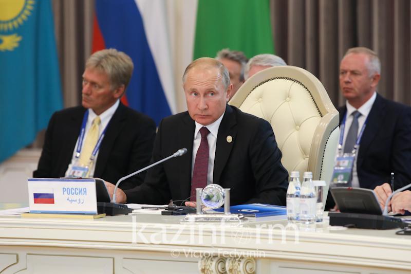Владимир Путин призвал развивать туризм на Каспии