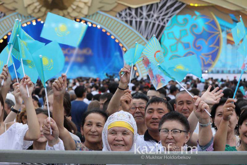 Численность населения Казахстана достигла 18,27 млн человек