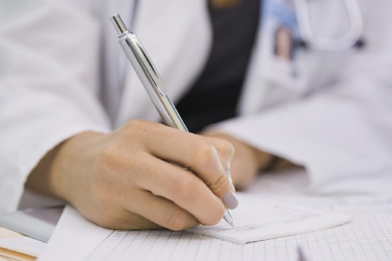 За продажу справок и больничного листа наказаны медики в Павлодарской области