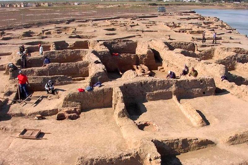 Archeologists restoring medieval city of Syghnaq