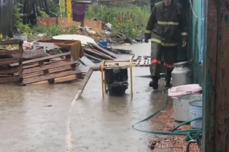 Две семьи эвакуированы из зоны подтопления в Кокшетау